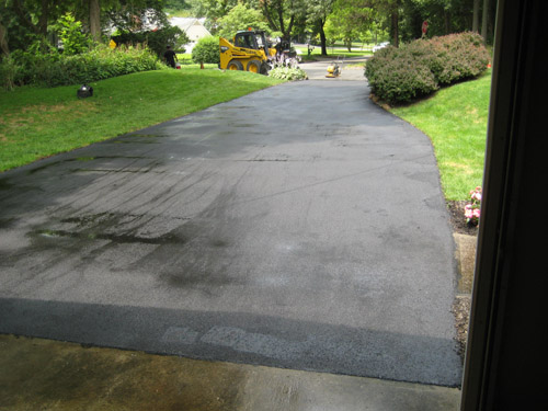 T Riccoboni Asphalt Paving Long Island Flat, No Puddle Blacktop Driveway Job 1