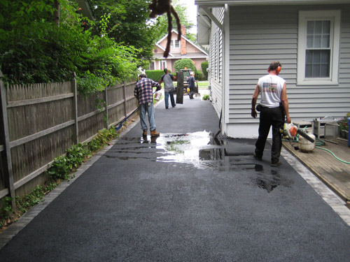 T Riccoboni Asphalt Paving Long Island Flat, No Puddle Blacktop Driveway Job 3