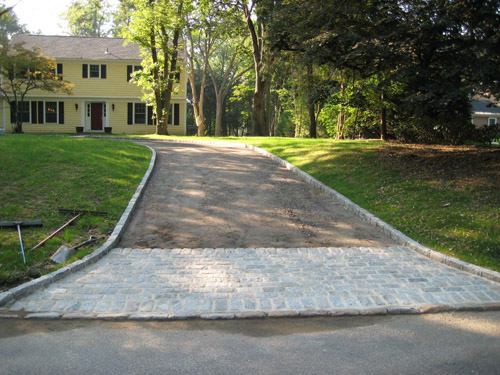 28 Large Circle Driveway With Flagpole Ferienhaus