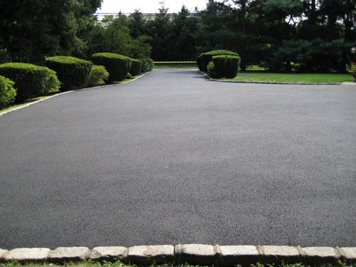 T Riccoboni Asphalt Paving Long Island Flat, No Puddle Blacktop Driveway Job 2